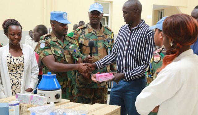 Ghanaian peacekeepers donate medical supplies to Bentiu hospital