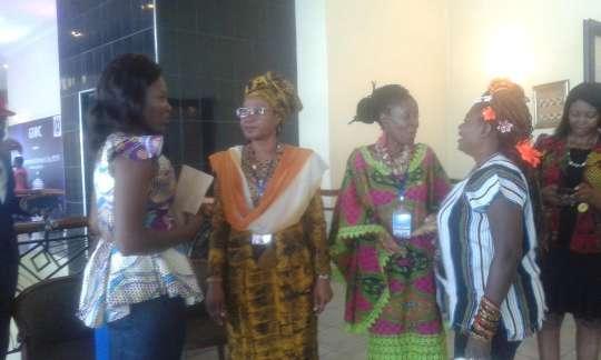 Dialogue Women