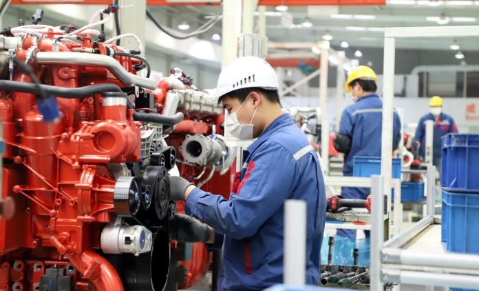 Gas engines are being produced in Y&C Engine Co., Ltd., Sanshan Economic Development Zone, Wuhu, Anhui province, April 7, 2020. Photo by Cheng Yibao, People's Daily Onlin