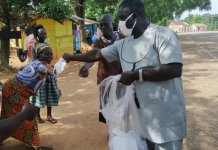 Asante Akim South Assembly Distributes Nose Masks