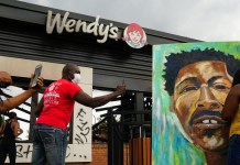 Atlanta Wendy S Turned Into Memorial For Rayshard Brooks Gunned Down By White Cop