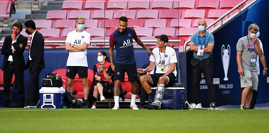 PSG head coach Thomas Tuchel (C-R) and Neymar (C-L) attend their team's training session in Lisbon, Portugal, 22 August 2020. Paris Saint-Germain will face Bayern Munich in the UEFA Champions League final on 23 August 2020. EPA/David Ramos / POOL