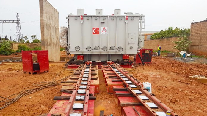 Installation using Mammoet's jacking and skidding systems
