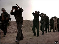 Iraqi soldiers surrendering
