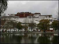 El palacio es ahora un museo, pero muchos tibetanos lo visitan para recordar a su l�der exiliado.