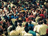 Nigerians crowd during previous census