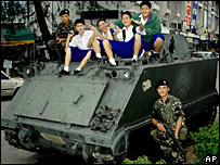 Soldiers posing with students in Chiang Mai