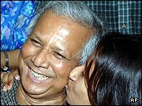 Nobel prize winner Muhammad Yunus celebrates with his daughter Dina