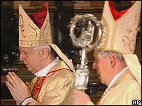 Archbishop Wielgus at the service, flanked right by Cardinal Glemp