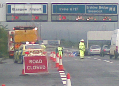 A picture of the closed motorway junction for Glasgow Airport