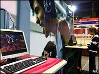 Feria tecnológica en India.