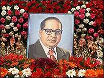 Bhimrao Ambedkar inició el movimiento de conversión al Budisimo.
