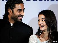 Los novios han hecho protagonizado varias exitosas pel�culas de Bollywood.