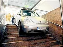 Car stuck on Duesseldorf underground stairs 30-5-07 (image courtesy of  T Busskamp)