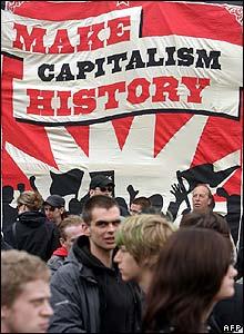https://i2.wp.com/newsimg.bbc.co.uk/media/images/43001000/jpg/_43001189_afp_capitalism220.jpg
