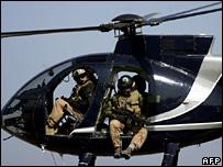 Personal de Blackwater en un helicóptero (2005)
