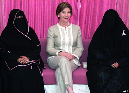 US First Lady Laura Bush (centre) sits next to breast cancer survivors at Sheikh Khalifa Medical Centre in Abu Dhabi