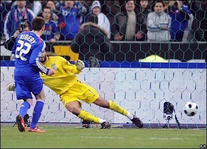Franck Ribery scores