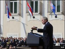 Tổng thống Bush đến Zagreb ngày 4 tháng 4 năm 2008