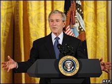 Tổng thống Mỹ Bush hôm 01.05