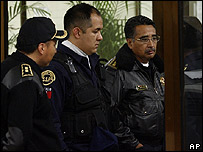 Polic�as interrogados