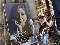Afiche de Ingrid Betancourt en Francia.
