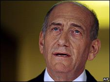 Israeli Prime Minister Ehud Olmert speaks at his Jerusalem residence