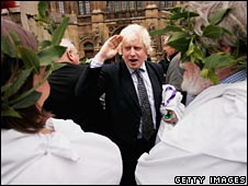 Boris salutes campaigners dressed in togas