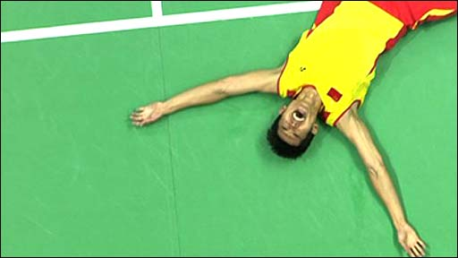 Lin Dan winning the gold medal