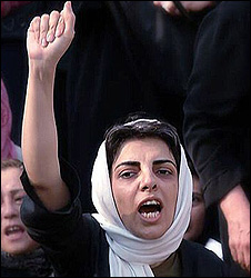 Parvin Ardalan, women's rights activist (Photo: kossoof.com)