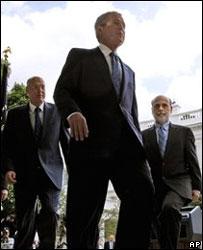 Henry Paulson, George Bush y  Bern Bernanke