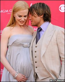 A pregnant Nicole Kidman at an awards ceremony with husband Keith Urban in May 2008