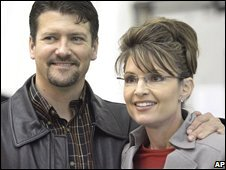 Todd and Sarah Palin in Anchorage, Alaska (file image, 2006)