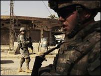 Soldados estadounidenses en Baquba