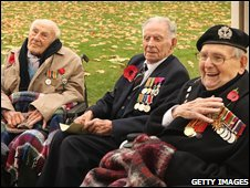 Henry Allingham, Harry Patch and Bill Stone before the ceremony