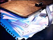 Overflowing personal organiser, Eyewire