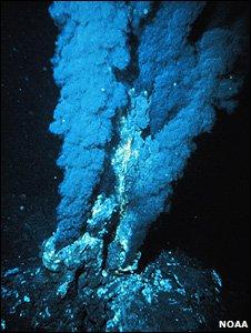 Hydrothermal vent (Image: Noaa)