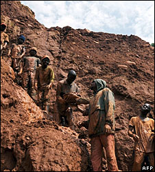 Congolese gold miners, file pic