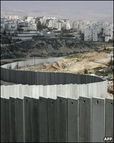 Israel's separation barrier in the Ras Khamis district, 04/03