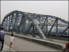 The now infamous Haizhu bridge in Guangzhou