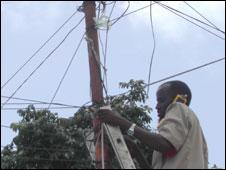 Phone engineer in Somalia