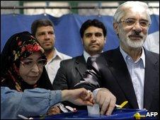 Mir Houssein Mousavi and his wife, Zahra Rahnavard, voting