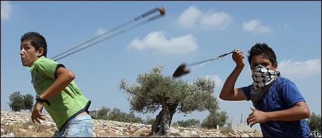 46163127 bilinkids 3101 466afp Routine: Misshandlung von  Jugendlichen durch israelische Armee
