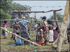 Internally displaced ethnic Tamil civilians in a camp for displaced in Sri Lanka. Photo: June 2009