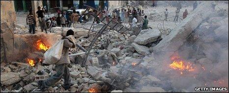 Quake rubble in Port-au-Prince, 10 Feb 2010
