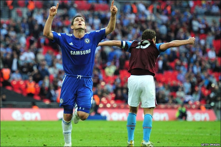 Frank Lampard scores for Chelsea