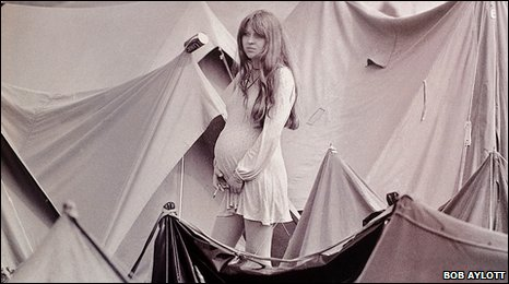 Picture of girl in campsite at Isle of Wight Festival