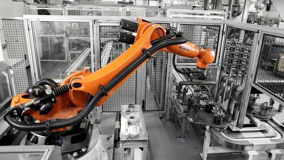 Più robot, più mercato, più economia