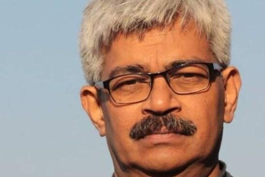 पत्रकार विनोद वर्मा को छत्तीसगढ़ पुलिस ने हिरासत में लिया