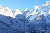 उत्तराखंड की ऊंची चोटियों पर हिमपात, पहाड़ी जिलों में कड़ाके की ठंड